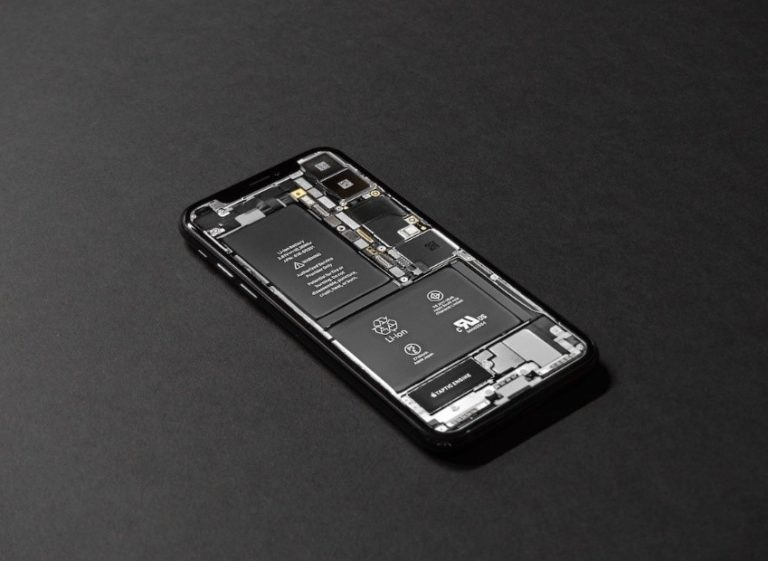 inside of iphone without back panel